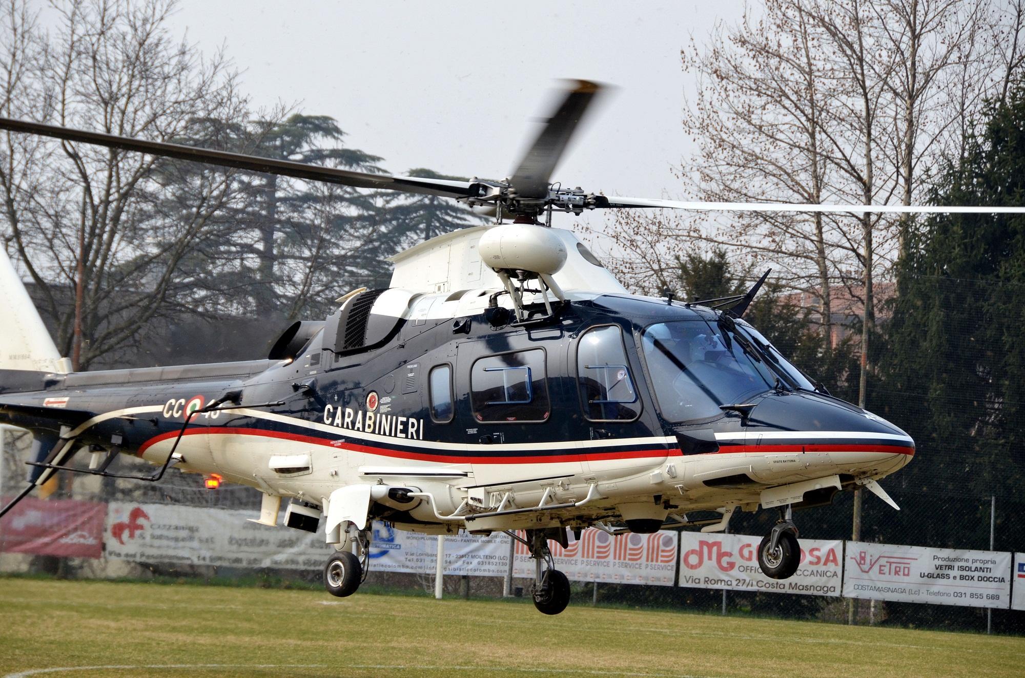 Un Elicottero Recupera Dall Oceano : Resegone online notizie da lecco e provincia