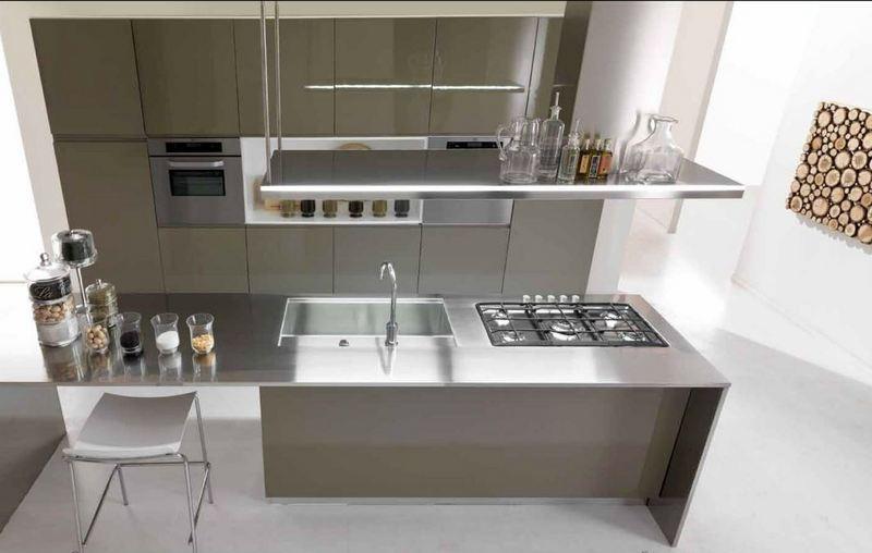 Resegone online notizie da lecco e provincia il piano della cucina - Vetro temperato cucina ...